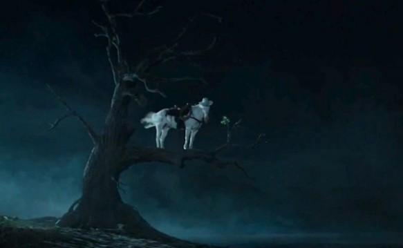 Horse-in-tree