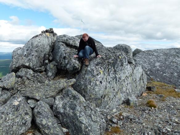 Molly på toppen av Daunetjåkko